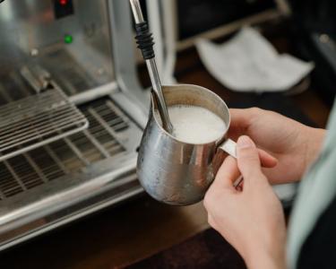 pelatihan barista dan usaha warung kopi pinggir jalan