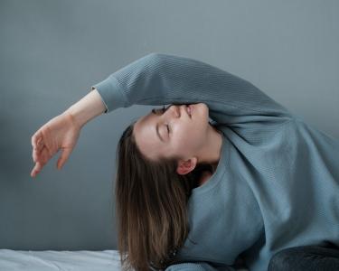 cara menghilangkan bau ketiak di baju